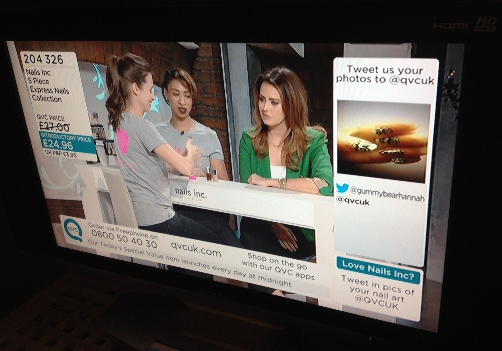 Live tweets on QVC recommending the product they are selling