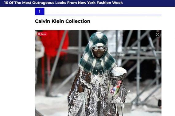 Photo d'un mannequin vêtu de vêtements apparemment de type extraterrestre