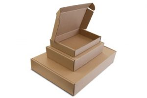 Image from Earthpack of three cardboard boxes