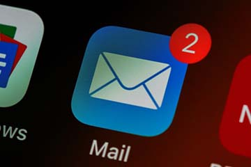 Screenshot of an email icon on a smartphone screen