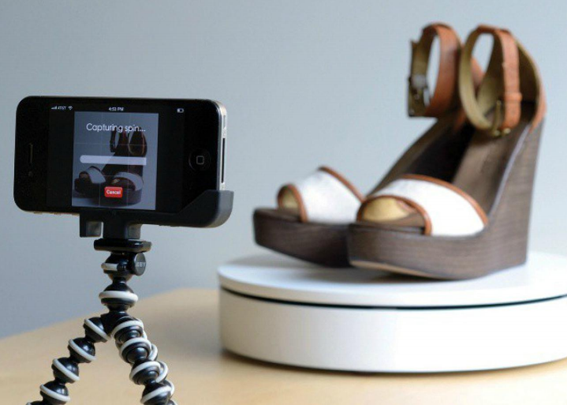 A typical 360 photography capture setup includes a motorized turntable and video capture software.
